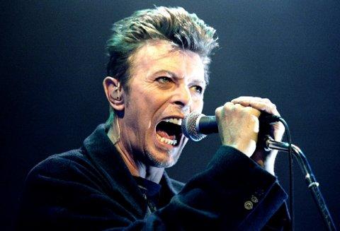 BOWIE: David Bowie døde av kreft søndag. Den britiske musikklegenden, som ble 69 år gammel, holdt sykdommen hemmelig.