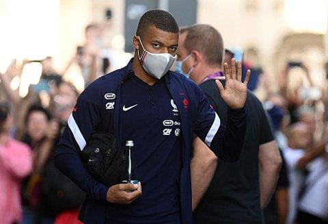 KLAR FOR ÅTTEDELSFINALE: Kylian Mbappé og Frankrike skal mandag spille åttedelsfinale i EM. PSG-stjernen har imidlertid ikke imponert Jérôme Rothen så langt i mesterskapet.