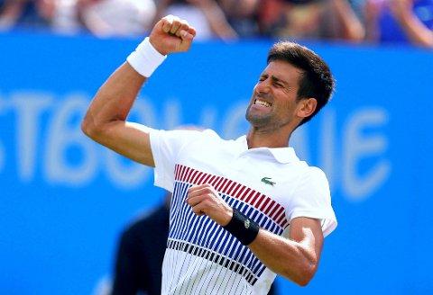 LETTET MANN: Novak Djokovic fikk kjenne på følelsen av å vinne en turnering igjen på engelske gressbaner.