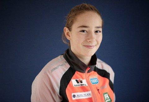 DEBUTERER I V-CUP: Mathilde Oustad er blant utøverne på det norske kvinnelandslaget i kombinert. De får sjansen i verdenscuprenn for aller første gang, og det skjer på norsk jord.