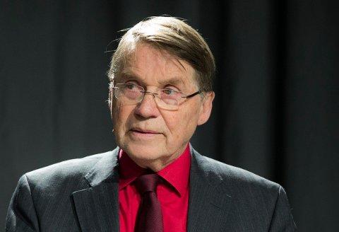 MÅ MØTE I TINGRETTEN: Pensjonert biskop Gunnar Stålsett må torsdag møte i Oslo tingrett, siktet for å ha brutt utlendingsloven ved å ha en ureturnerbar asylsøker uten arbeidstillatelse som vaskehjelp i tolv år.