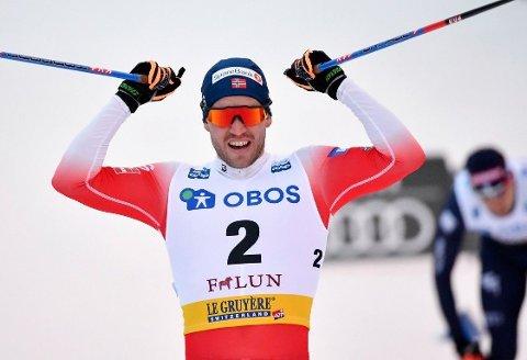 MEST KREFTER: Russlands Aleksandr Bolsjunov forsøkte med en sprengåpning i lørdagens sprintfinale, men det var de norske med Pål Golberg i spissen som kunne juble til slutt.