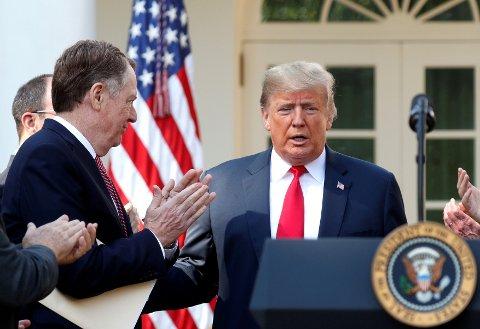 SEIER: Senatet i Washington har med stort, tverrpolitisk flertall godkjent en ny handelsavtale som omfatter USA, Canada og Mexico. Det ses som en seier til president Donald Trump (bildet) som også er midt i en riksrettssak.