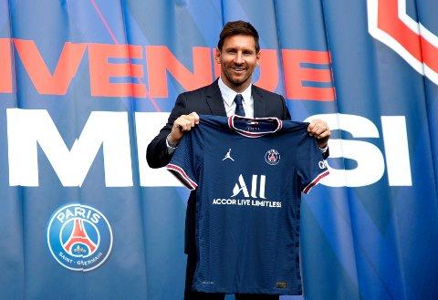 NY ARBEIDSPLASS: Lionel Messi holdt pressekonferanse som ny PSG-spiller onsdag etter å ha signert for to år på Parc des Princes.