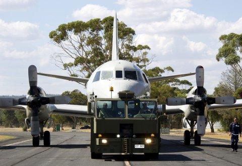 Et Poseidon P-3-fly fra Sør-Korea gjøres klar for ny tokt på leting etter MH370 som forsvant sporløst 8. mars. Bildet er tatt på basen til det australske flyvåpenet RAAF like nord for Perth.