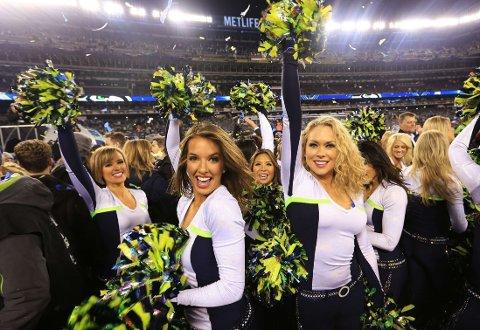REGJERENDE MESTER: Cheerleaderne i Seattle Seahawks kunne feire seier etter Super Bowl i fjor.