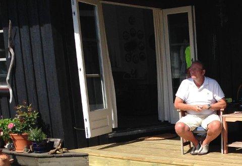 BETALTE SKYHØYT FOR ET DØGN: Håkon Beckman fikk strømregning på over 500 kroner etter ett døgn på hytta i Hvaler.