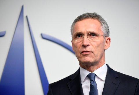Jens Stoltenberg fortsetter i NATO.