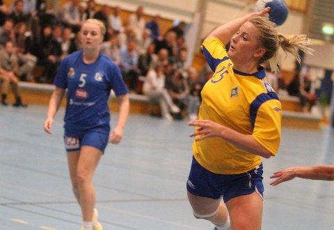 Fritt fram: Carina Skjæret og BSK fikk ikke mye motstand i søndagens kamp mot Bjørnar, som BSK vant 42-19.