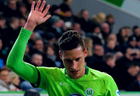 ADJØ, ADIEU: Julian Draxler vinket kanskje for siste gang som Wolfsburg-spiller da laget spilte mot Eintracht Frankfurt nylig. Nå venter spill i fransk fotball på tyskeren.