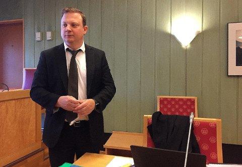 Øyvind Panzer Iversen er forsvarer for den tiltalte Molde-spilleren. I retten kom det frem at overganger kan ha gått i vasken på grunn av voldtektssaken.