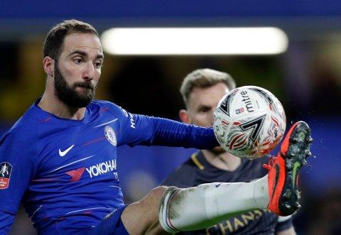 Gonzalo Higuaín fikk sin Chelsea-debut i FA-cupkampen mot Sheffield Wednesday søndag. Foto: Kirsty Wigglesworth / AP / NTB scanpix