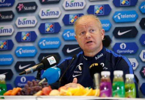 DEMPET: Per-Mathias Høgmo skrur ned forventningene før den avgjorde kvalikkampen mot Italia på tirsdag.