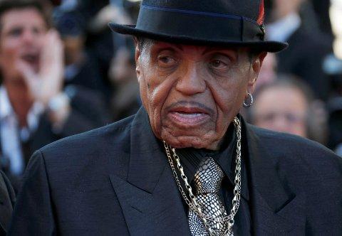 Joe Jackson, faren til blant andre Michael Jackson, er død.