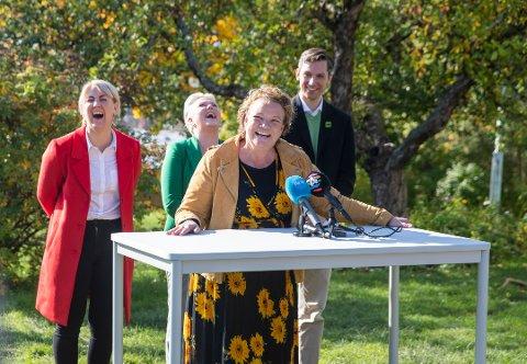 MUNTERT: Det rødgrønne styret i Viken fylke sier nei, nei, nei: F.v: Tonje Brenna (Ap), Anne Beathe Tvinnereim (Sp), Camilla Sørensen Eidsvold (SV) og Kristoffer Robin Haug (MDG).