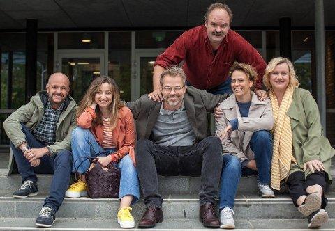 ALDRI VOKSEN: TVNorge satser på stjernelag med humorserien «Aldri voksen».
