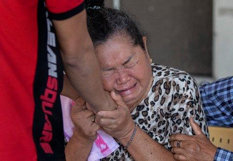 SØRGER:26 mennesker ble drept og 57 såret da en 32 år gammel sersjant skjøt mot tilfeldige i byen Korat i Thailand lørdag.