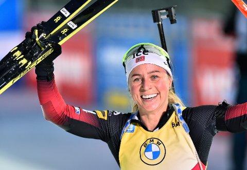 Tiril Eckhoff går fra seier til seier, også med det norske laget på blandet stafett. Foto: Lubos Pavlicek / CTK via AP / NTB