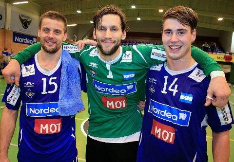 KAMPENS GIGANTER: Strekspiller Anders Skiaker Myhra (29), keeperprofilen Emil Jungman (31) og bakspiller Johannes Hippe (21) spilte alle en kjempekamp mot Viking i Nordstrandhallen lørdag.