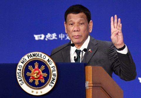 Rodrigo Duterte mener han kurerte seg selv for homofili.