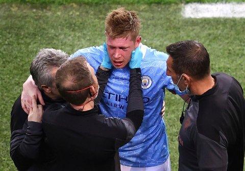 Kevin de Bruyne skadd seg stygt da Manchester City tapte CL-finalen mot Chelsea, men nå kan han være aktuell for Belgias EM-kamp mot Danmark. Foto: Michael Steele / Pool via AP / NTB