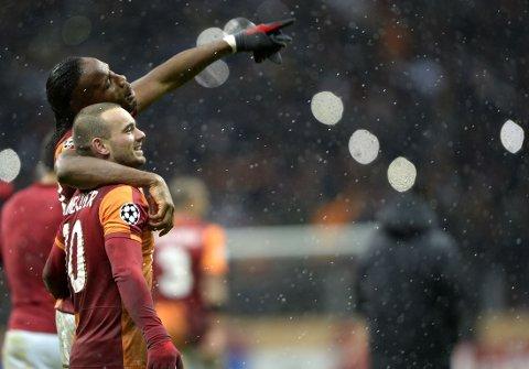UAVGJORT MOT SIN GAMLE TRENER: Både Didier Drogba og Wesley Sneijder har spilt under José Mourinho. Onsdag yppet de seg mot sin gamle sjef.