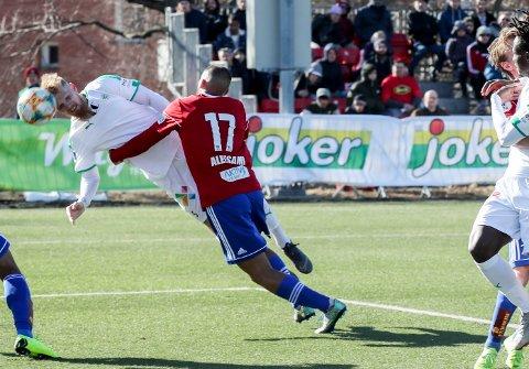 Odmar Færø (t.v.) spilte i HamKam sist sesong. Denne sesongen skal han spille for de færøyske seriemesterne Klaksvik.