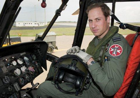 NY JONN: Prins william får seg ny jobb som ambulansepilot. Lønna gir han bort til veldedighet.