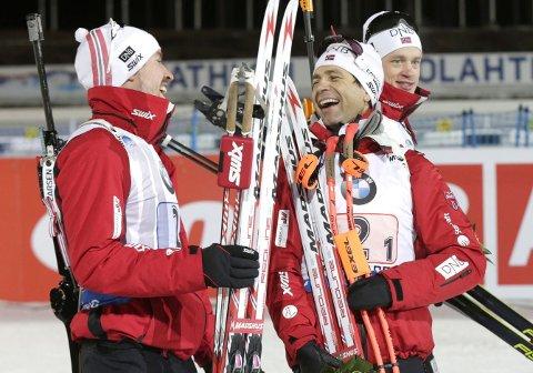 GIR SEG: Ole Einar Bjørndalen avfeier at han skal fortsette karrieren etetr 2016-VM i Oslo.