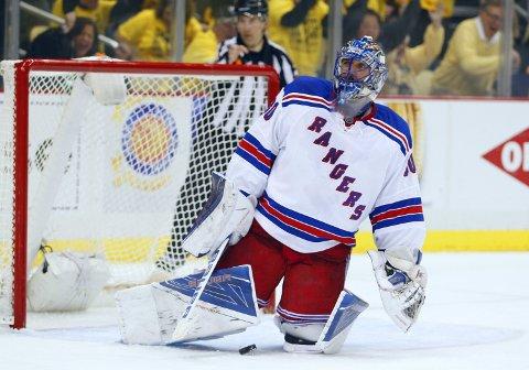 UTSLÅTT: Henrik Lundqvist fant aldri den sedvanlige sluttpillsformen som New York Rangers' bakerste mann. Nå er sesongen over.