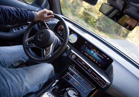 Mercedes' elbil er en miljøvinner - men ikke om du bruker den vanlige strømmen du får i stikkontakten.