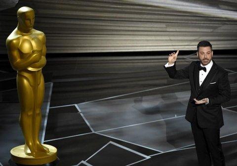 Årets Oscar-vert Jimmy Kimmel snakket om seksuell trakassering under sin åpningsmonolog søndag kveld. Foto: Chris Pizzello / Invision / AP / NTB scanpix