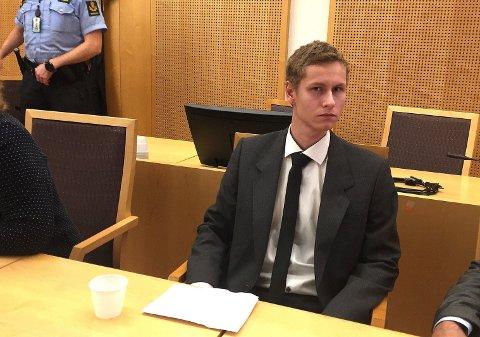 22-årige Philip Manshaus har erkjent å ha begått drap og terror, men nekter straffskyld. Årsaken er at han mener at det han gjorde var en nødrettslig handling.