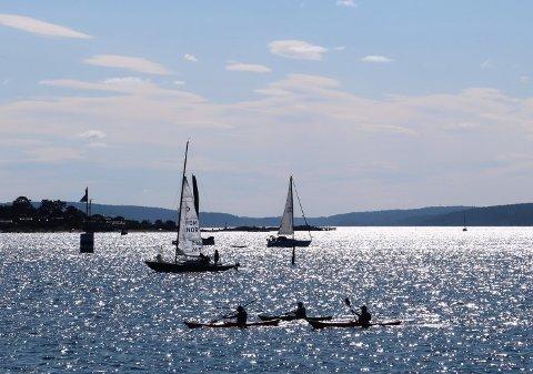 IKKE BARE IDYLL: Sol og båtliv på Oslofjorden 28. august i år. Høsten innledes med sol og varme i Sør-Norge, men meteorologene har også en advarsel.