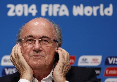 OVERRASKET: Sepp Blatter trodde ikke Lionel Messi kom til å vinne gullballen.