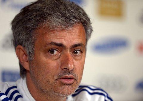 ENKELT: Jose Mourinho synes det var enkelt å overtale Cesc Fabregas til å komme til Chelsea.
