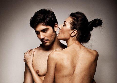Frank Kobola har skrevet en av de bedre sex-listene vi har sett. Her bilde av par som poserer, men neppe har sex.