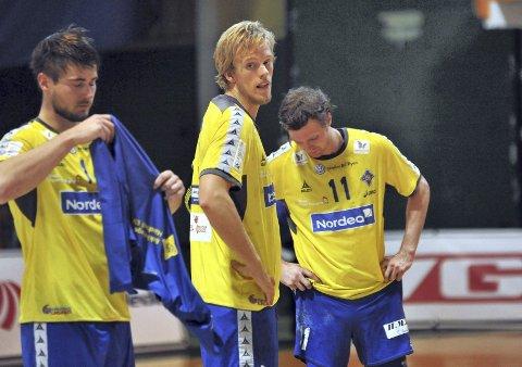 SKUFFET: Johannes hippe, Emil Midtbø Sundal, Nikolay Hauge og resten av BSK hang tydelig med hodet etter kampen.