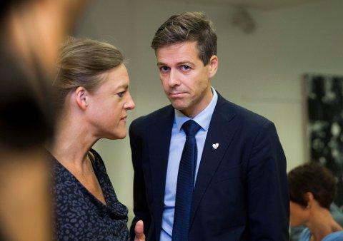 OVERSTYRER: Generalsekretær Hilde Frafjord Johnson og partileder Knut Arild Hareide vil overstyre lokalpartienes valg av delegater foran skjebnevalget.
