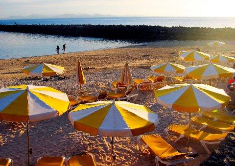 Mange vil til varmere strøk i ferien, men noen kan risikere å måtte betale dobbelt for reisen.