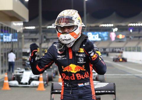 Max Verstappen avslutter sesong i beste startposisjon søndag. Foto: Kamran Jebreili / AP / NTB