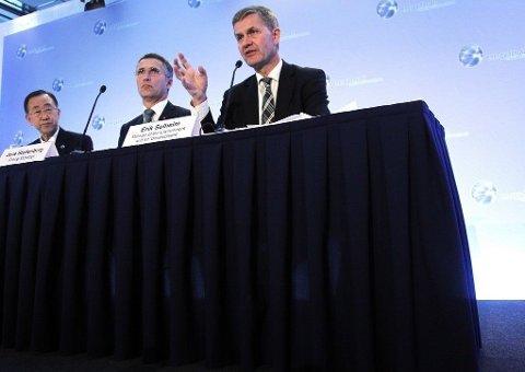 Norge var misfornøyd med å ha blitt stående for mye alene med regnskogsatsingen som ble satt i gang av tidligere statsminister Jens Stoltenberg (Ap) (midten) og tidligere utviklings- og miljøvernminister Erik Solheim (SV) (høyre på bildet)