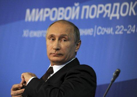 HARD TALE: Russlands president Vladimir Putin holdt tale under Valdai Diskusjonsklubb i Sotsji 24. oktober.