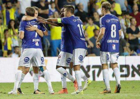 BRAGD: Amin Askar (nummer tre fra venstre) mener disiplinen og løpskraften er nøkkelen til at Sarpsborg nå er klare for gruppespillet i Europa League.