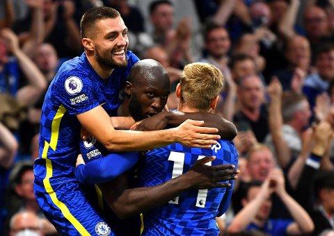 MÅLJUBEL: Chelsea fikk god kamp av Aston villa lenge, men Mateo Kovacic (øverst) og Romelu Lukaku (midten) ordnet en komfortabel seier til slutt.