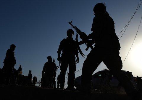 Talibans frammarsj har tvunget USAs president Barack Obama og hans administrasjon til å revurdere tilbaketrekningen i Afghanistan.
