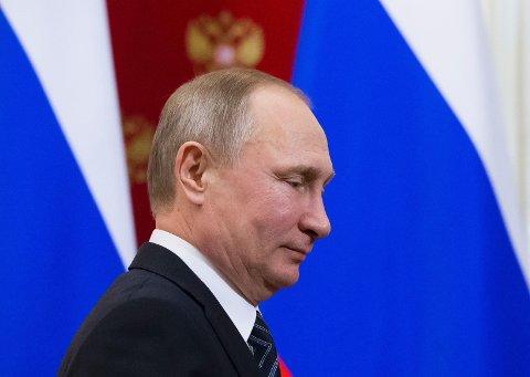 PROTESTER: Denne uken signerte Russlands president Vladimir Putin enny lov som senker straffen for visse former for familievold. Nå kommer protestene.