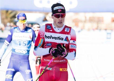 LEVERTE: Johannes Høsflot Klæbo. Her avbildet tidligere i Tour de Ski, etter jaktstarten i Toblach.