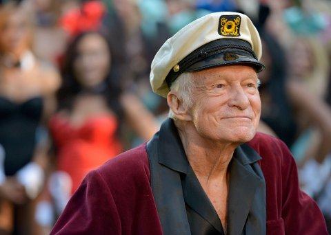 HUGH HEFNER er i svært dårlig form, ifølge amerikanske medier. Her feirer han Playboys 60-årsjubileum i 2014.