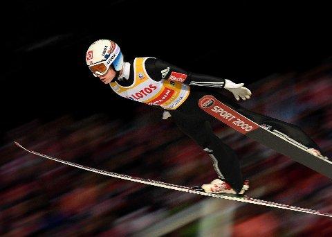 GOD: Marius Lindvik har vist gode takter i Zakopane denne helgen, men det blir ingen tur til Pyeongchang for 19-åringen.